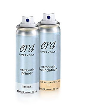 Era Everyday Weekend Bag spray on primer and foundation